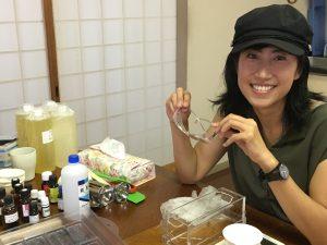 禅タロットを引いて庭仕事して植物療法教室で石鹸作りの一日。