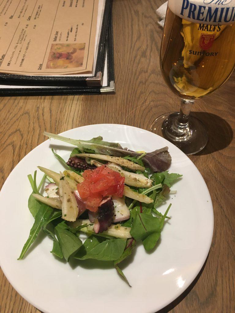 セロリとタコのサラダ