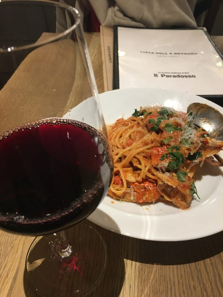 パスタとワイン
