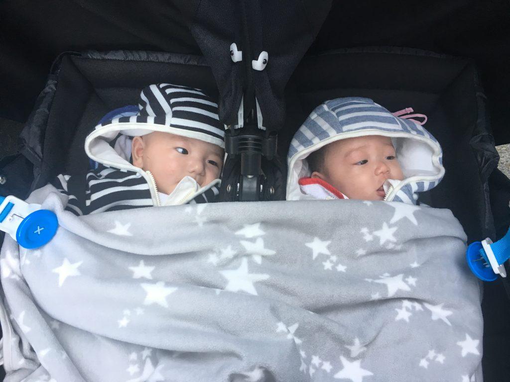 双子お出かけ