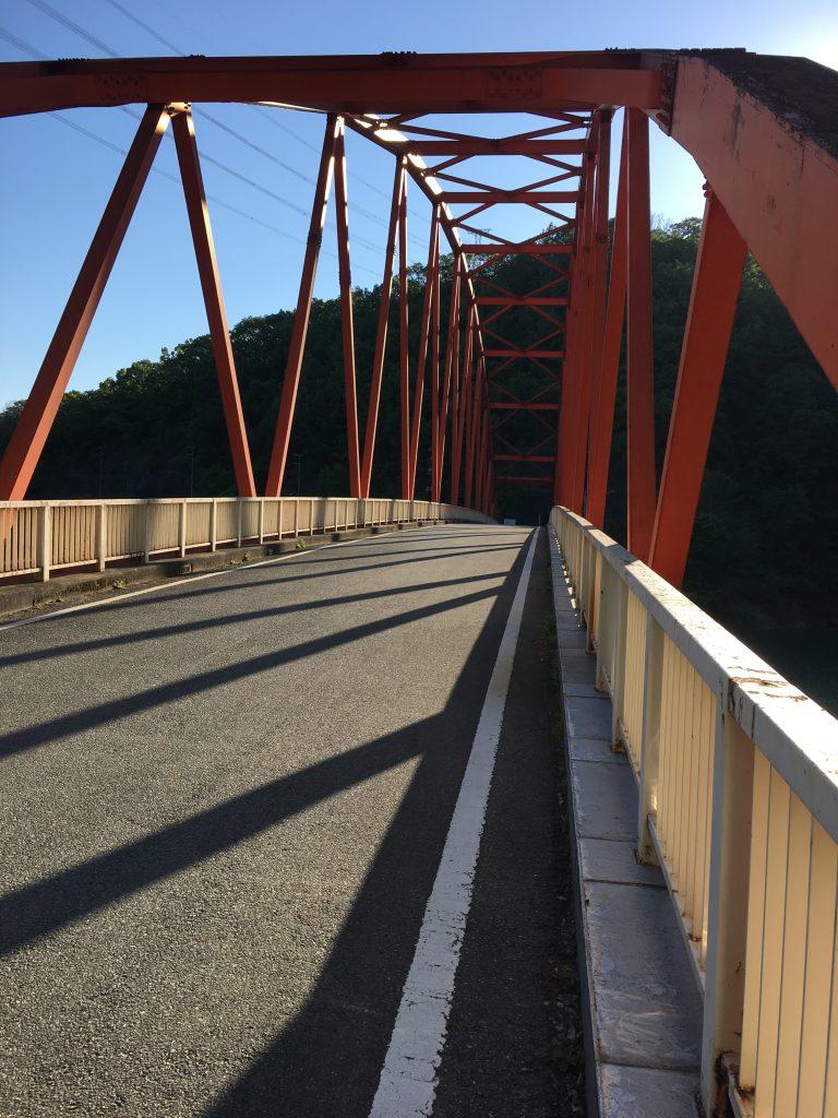 ガラガラの橋