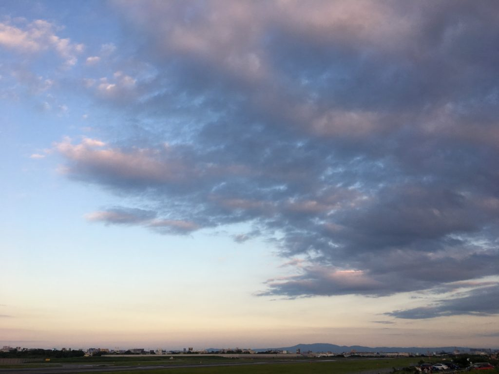 伊丹空港夕方