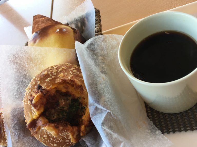 シチューパンとコーヒー